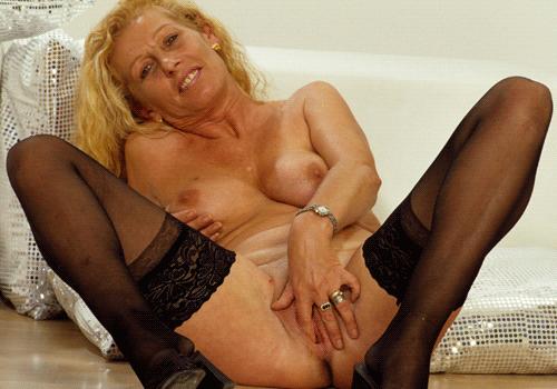 Older Women Online